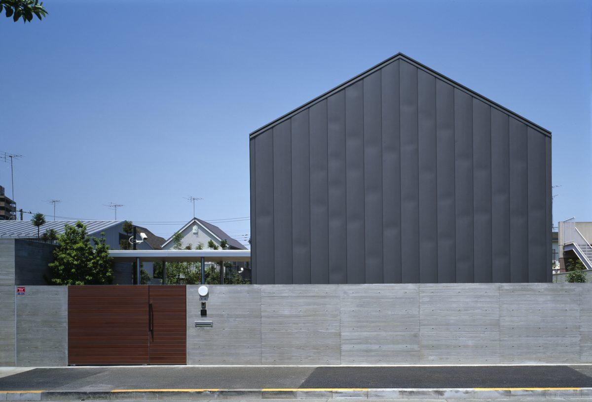町田のコートハウス